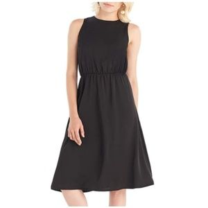 Sleeveless A-line Midi Dress with Keyhole Back